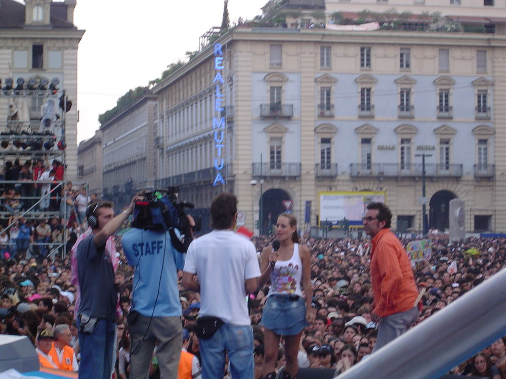 Jessica a Torino in Piazza Castello alla conduzione del Festivalbar per Italia1