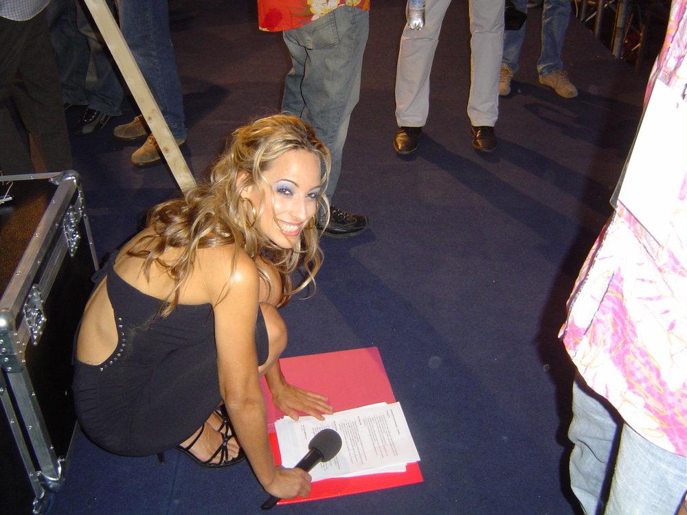 Jessica nel backstage alla conduzione del Festivalbar per Italia1