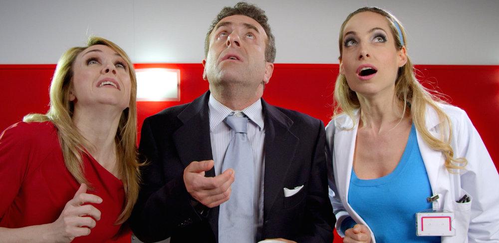 Jessica e cast nella serie Open Space per Mediaset