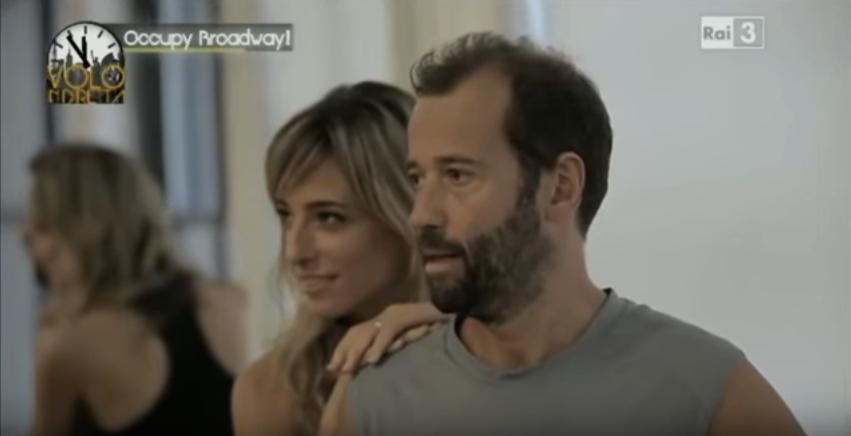 Jessica e Fabio Volo in un momento della rubrica di Jessica Occupy Broadway nella trasmissione Volo in diretta per la RAI