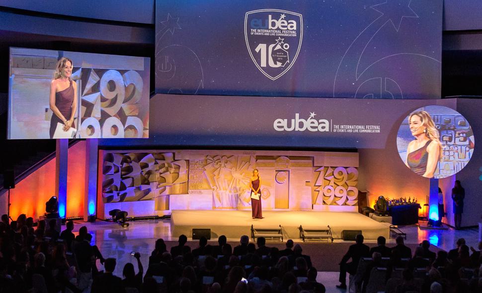 Jessica sul palco per una delle tante edizioni dei premi EUBEA che ha condotto