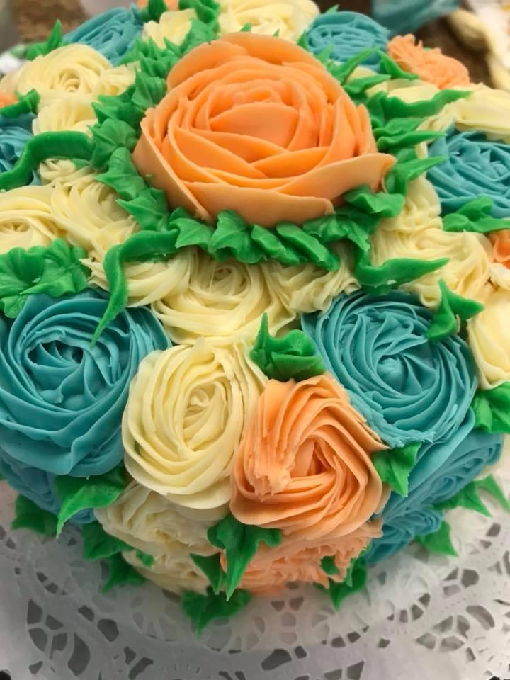 Double layer decorated vanilla cake