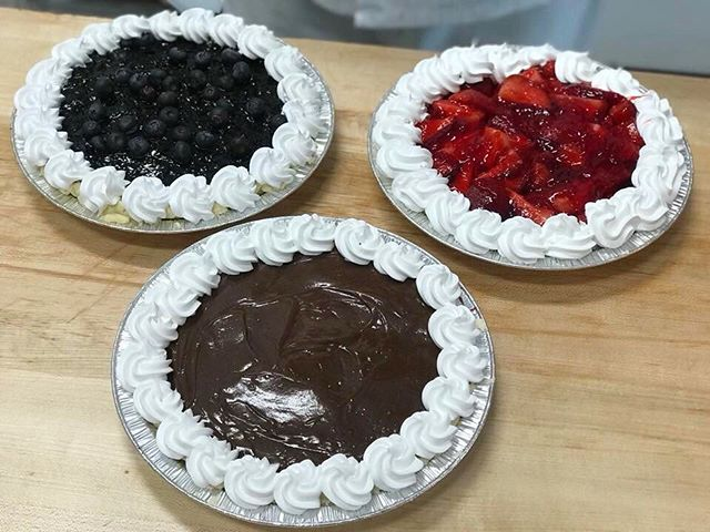 Come get a delicious blueberry, strawberry, or chocolate pie today! Perfect for this summer weather ☀️🍰