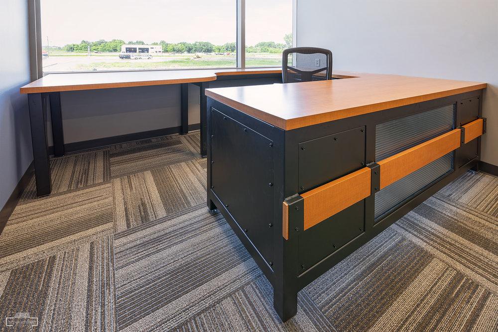 Desk 02 Online.jpg