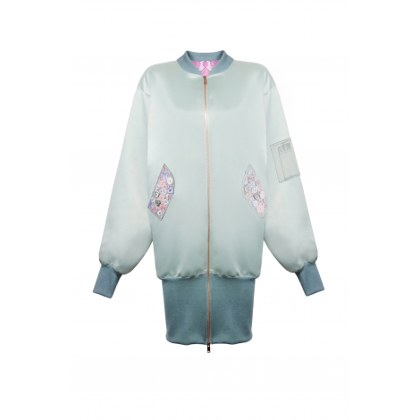FEATHER AND POINT-BACK DETAILED JACKET  1,985USD