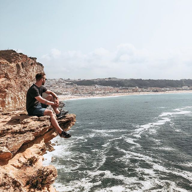 When visiting Nazaré 🤷🏻‍♂️ ⠀⠀⠀⠀⠀⠀⠀⠀⠀⠀⠀⠀ ⠀⠀⠀⠀⠀⠀⠀⠀⠀⠀⠀⠀ ⠀⠀⠀⠀⠀⠀⠀⠀⠀⠀⠀⠀ ⠀⠀⠀⠀⠀⠀⠀⠀⠀⠀⠀⠀ ⠀⠀⠀⠀⠀⠀⠀⠀⠀⠀⠀⠀ ⠀⠀⠀⠀⠀⠀⠀⠀⠀⠀⠀⠀ #view #portugal #nazare #vacay #portrait #sunshine #mountain #mood #man #boy #photography #photographer #sea #waves #visitportugal #lifestyle #instatravel
