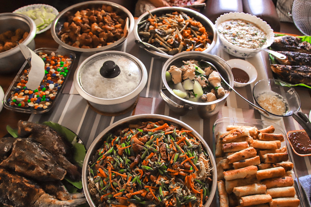in the Philippines this meal can be breakfast, lunch,snacks or dinner