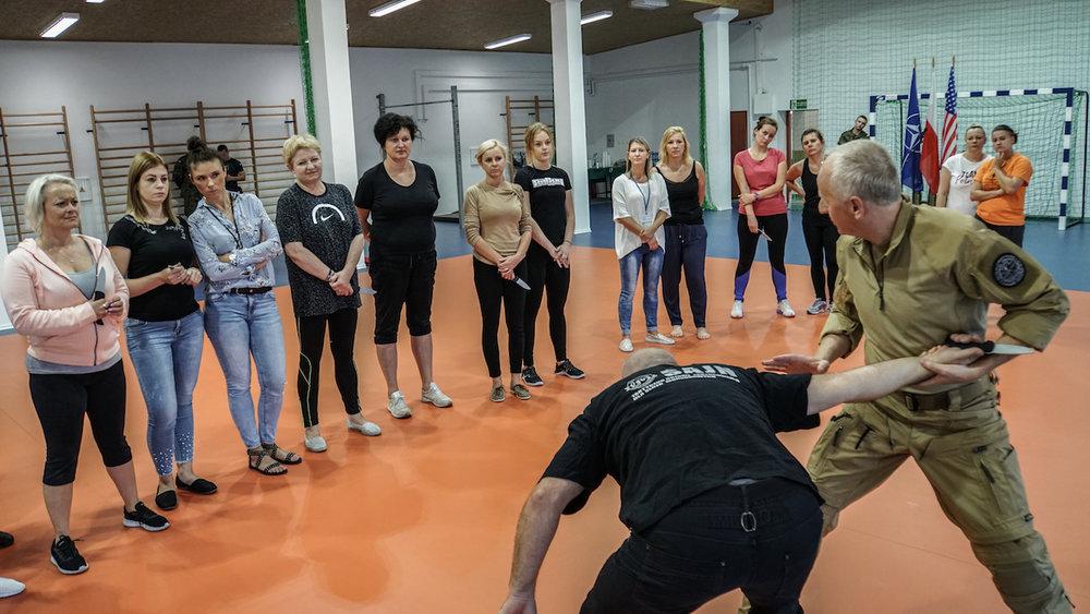 samoobrona_kobiet_jan_nycek_sajn_drawsko_centrum_szkolenia_wojsk_ladowych_system.jpg