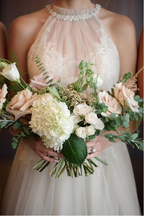 modern organic bridal bouquet.PNG