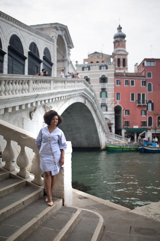 NATURAL COLOURS - fashion photographer Venice Italy - venice portrait photographer - photographer in Venice - gondola ride Venice - Salone Monet - Kinga Leftska-0319.jpg