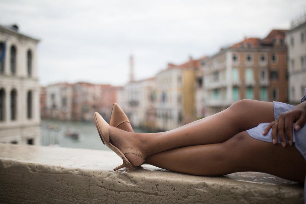 NATURAL COLOURS - fashion photographer Venice Italy - venice portrait photographer - photographer in Venice - gondola ride Venice - Salone Monet - Kinga Leftska-0297.jpg