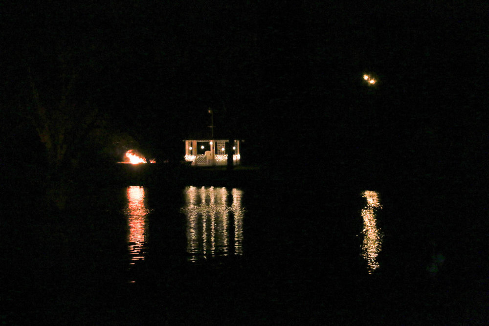 200e9-santa-visit-night-19-1024x683.jpg