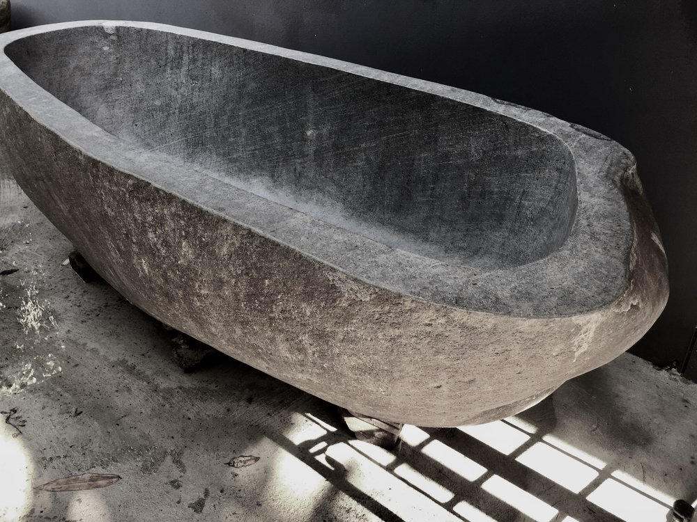 Java River Stone Bath Tub