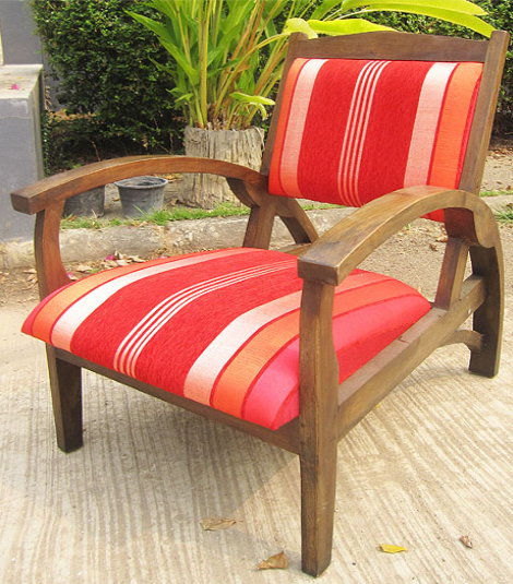 Titanic Chair with Suzeini Cloth