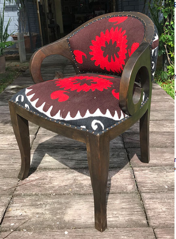 Betawi Chair with Suzeini Cloth