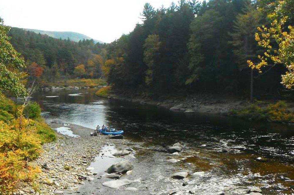 pheasant-tail-tours-deerfield-river-drift-boat-fall.jpg