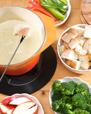 Irish Blue Cheese Fondue - Recipe and photos via Martha StewartIngredients //8 ounces raw blue cheese¼ cup flour, or your gluten free flour of choice1/8 teaspooncayenne pepper½ teaspoon dry mustard¾ cup Irish lager, preferably Kells½ cup half and halfCoarse saltBakers Outpost Irish Soda or Sourdough Bread, for servingSliced apples, for servingSteamed broccoli, for servingRed and yellow peppers, for serving