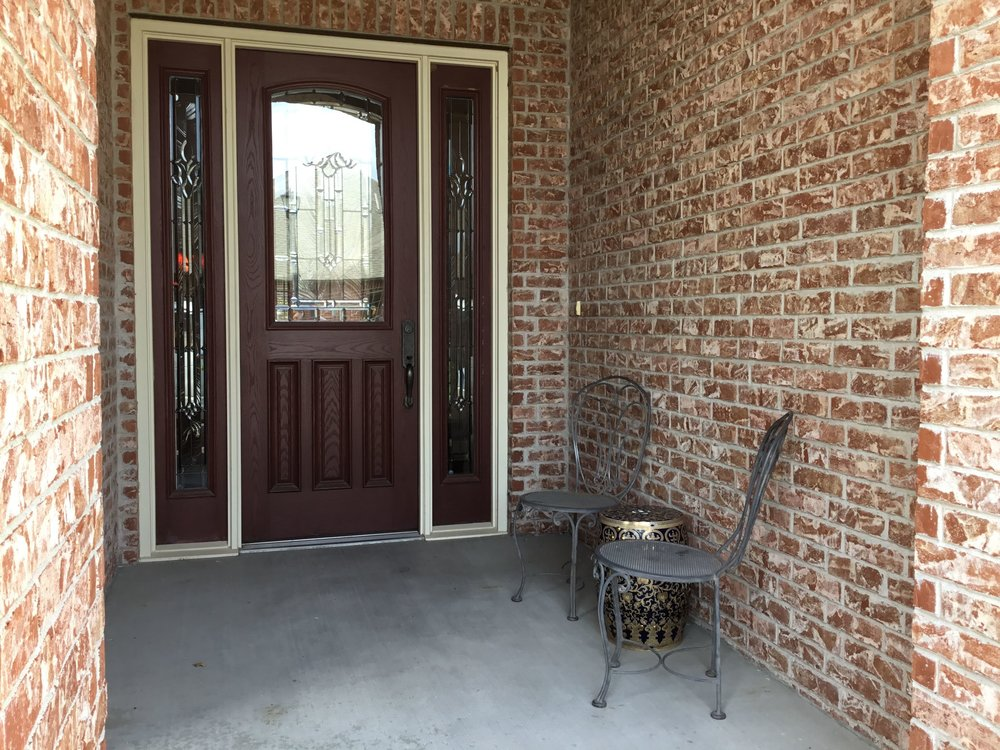Staging Tulsa - Zarrow Pointe Villas Front Porch.jpg