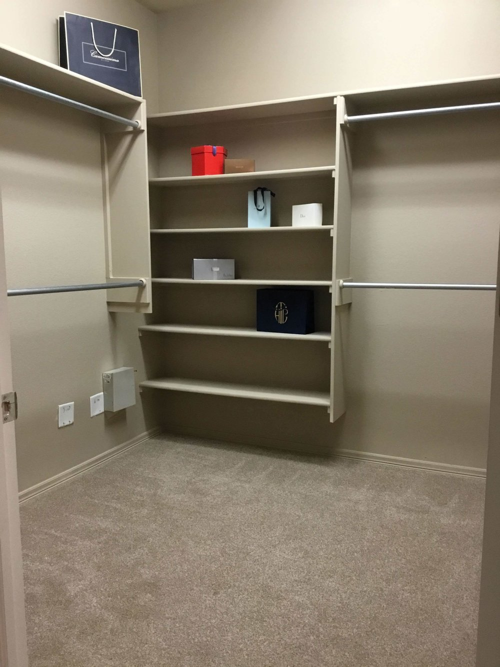 Staging Tulsa - Zarrow Pointe Villas Master Closet.jpg