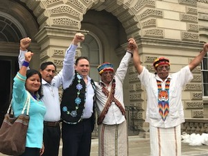 Members of the FDA delegation from Ecuador join Canadian National Chief Perry Bellegarde in front of Ontario Court of Appeals in Toronto on day of court hearing in Ecuador pollution case.