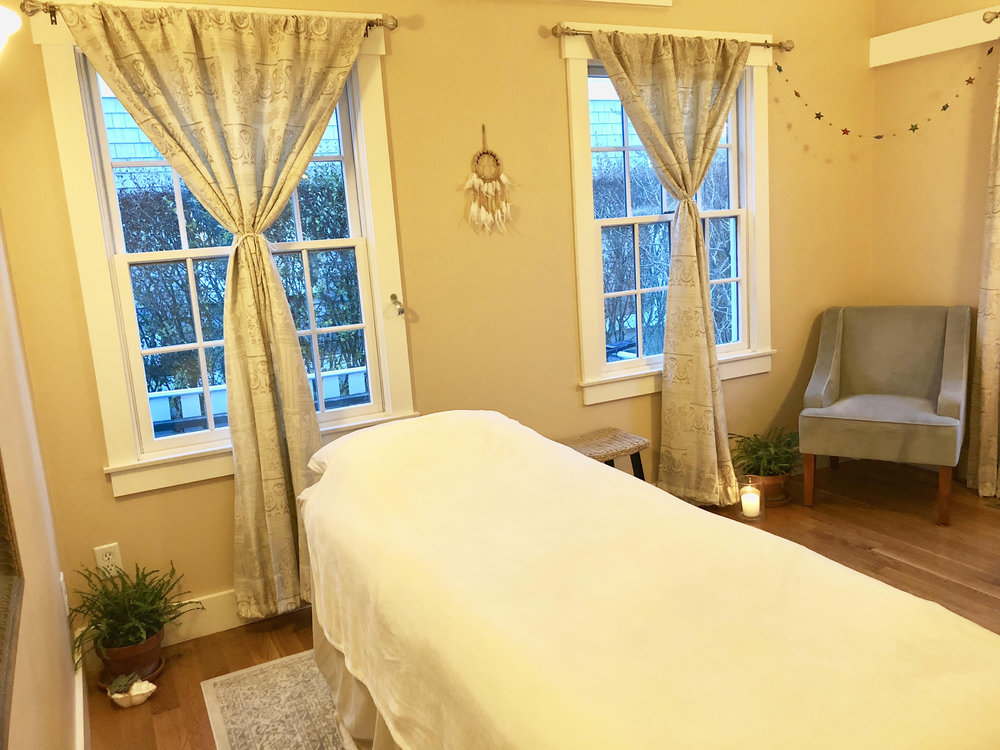 massagetreatmentroom.jpg
