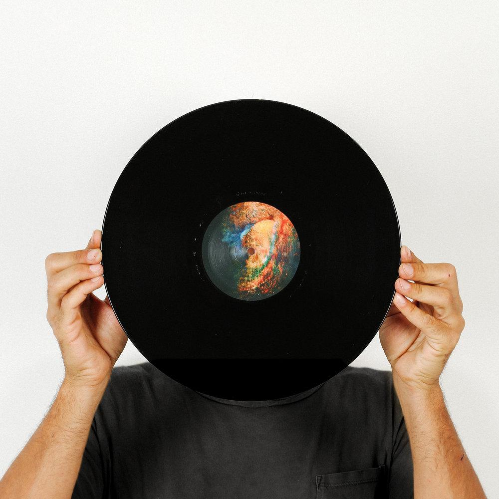 howling_vinyl_03.jpg