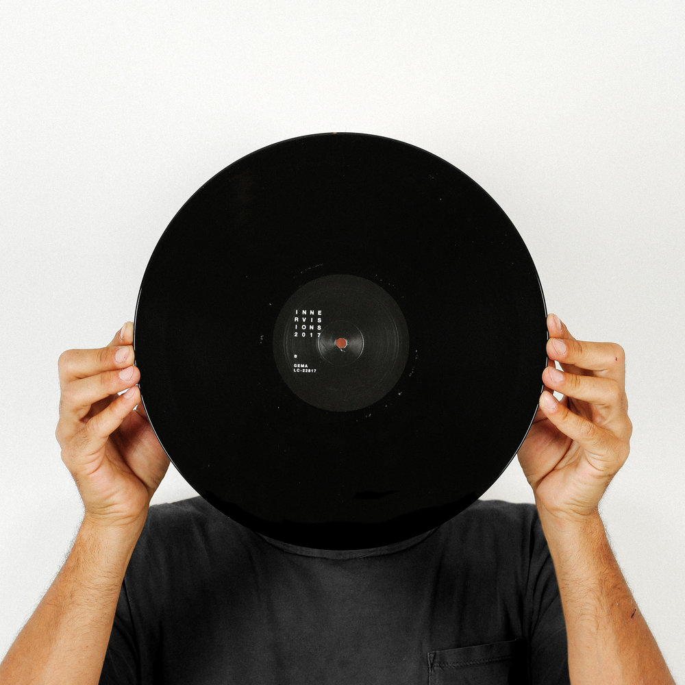 howling_vinyl_04.jpg
