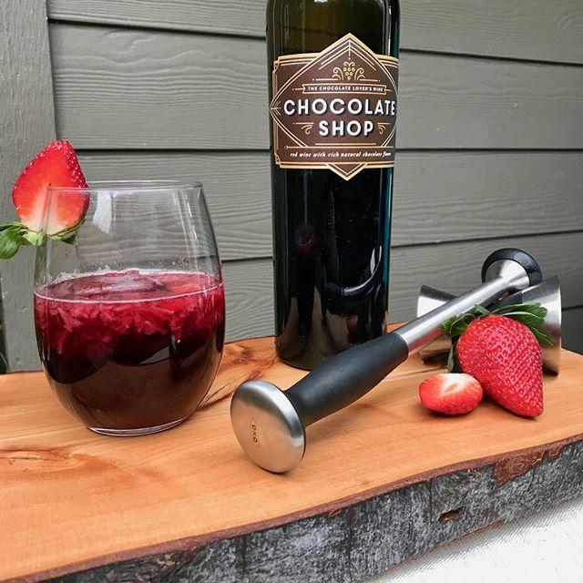 Chocolate strawberry wine spritzer? Yes, please. #winewednesday