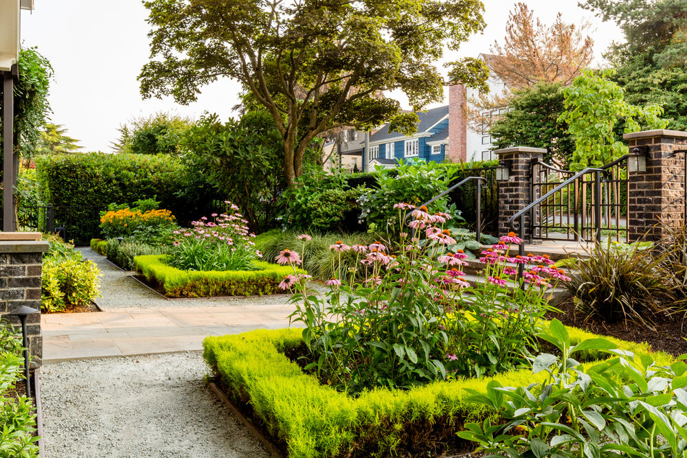 Traditional Seattle Garden