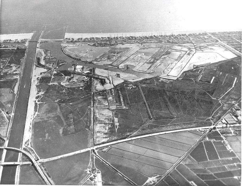 Dredging of Marina del Rey begins, 1960