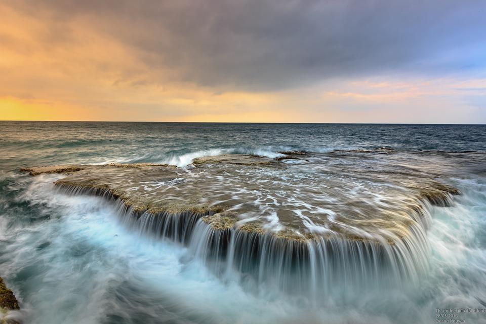 the-sea-3025268_960_720.jpg