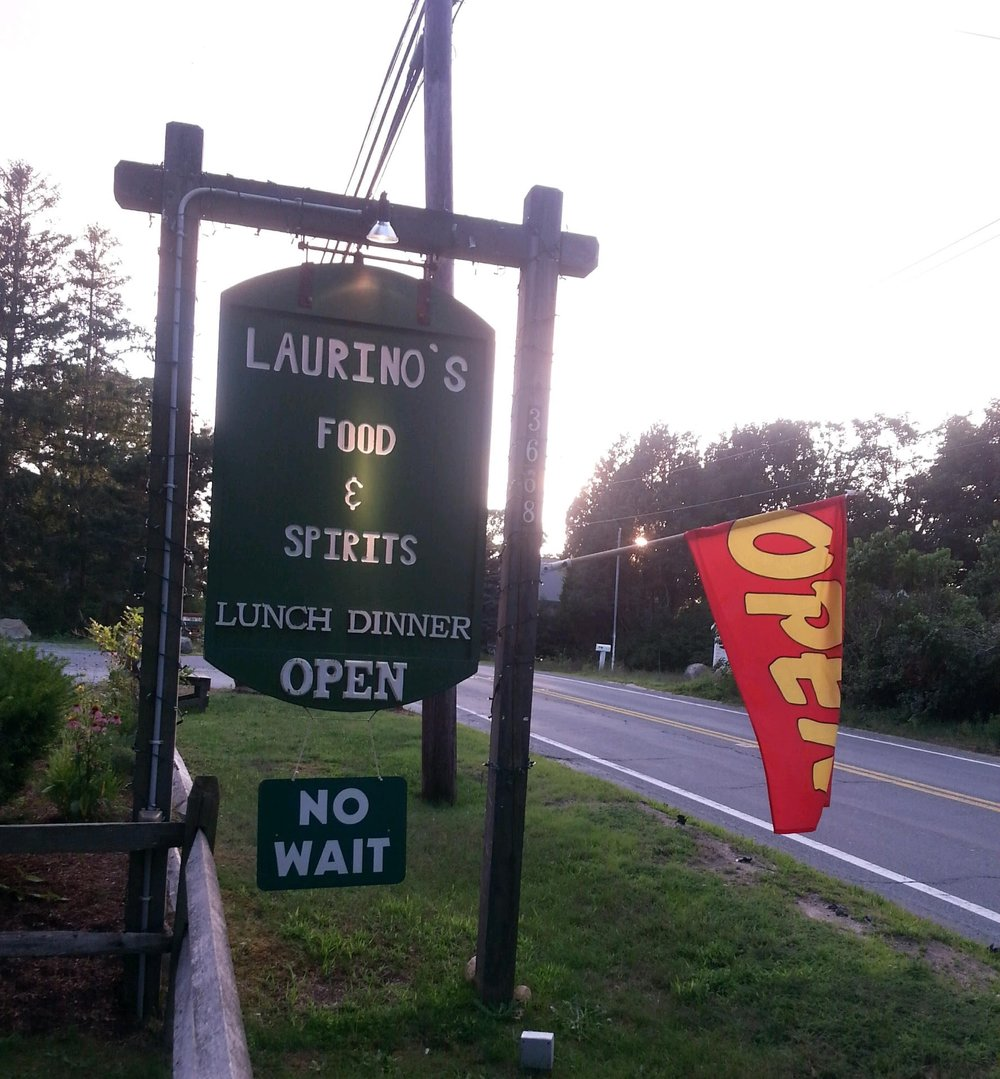 laurinos-sign.jpg