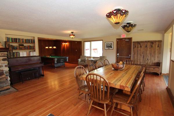 bighousepage-livingroom.jpg