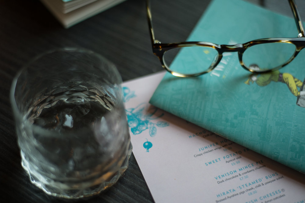 edinburhg- juniper cocktail bar- budget travel- a day away.jpg