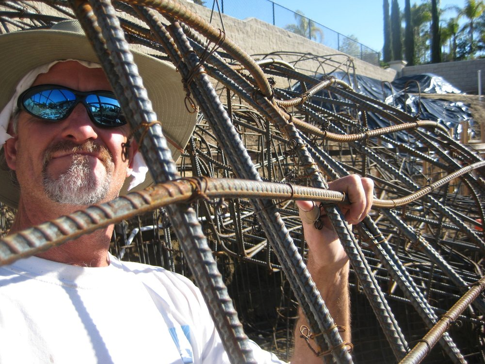 "Hey! I'm Dave Henderson. - I've always worked with my hands. From ceramics artist to Dental Technician, award winner photographer and World Champion Sand Sculptor, I bring a creative touch to everything I do.The creation of artificial and real rock waterfalls, ponds, pools, slides, grottoes and ""faux"" rock walls was a natural evolution for the lovely homes of sunny San Diego!"