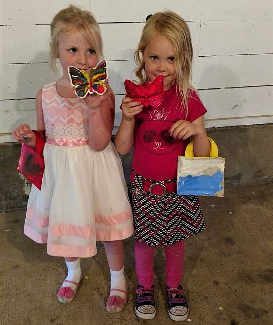 """$15 kids n canvas """"tote kits""""(3) Painting projects! -"""