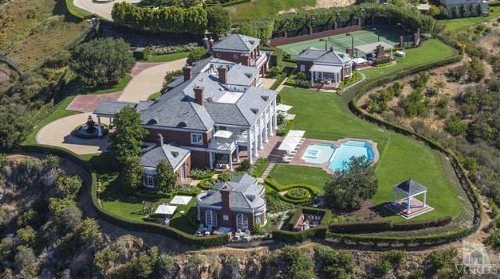 Wayne Gretzky Residence |Lake Sherwood, CA14,000 Sq. Ft. -