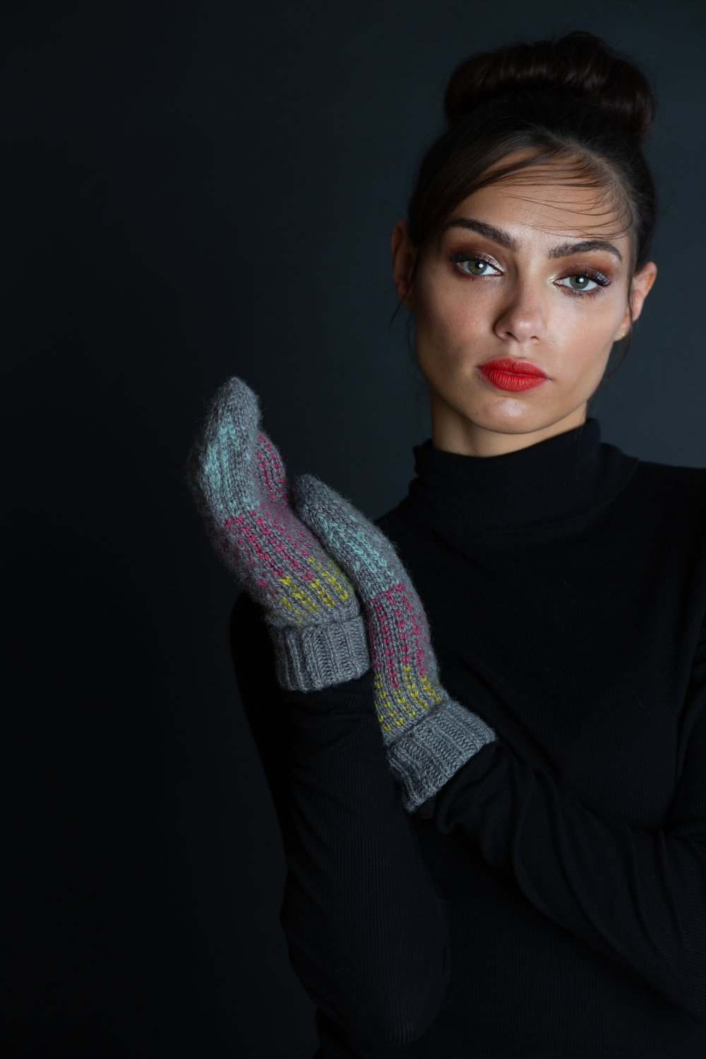 Spinel Mittens by Becky Sorensen for JEWELS by Making Stories