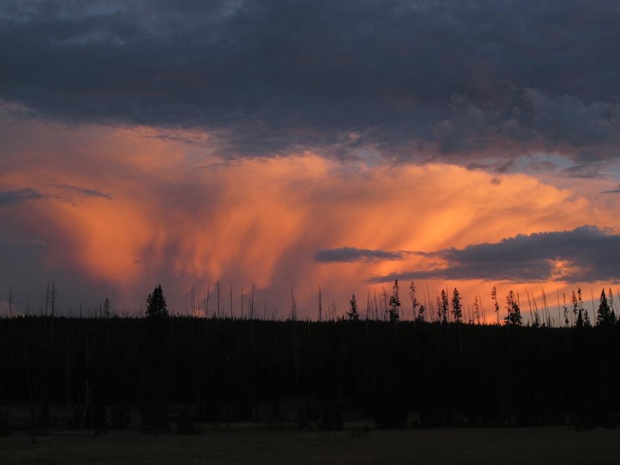 Yellowstone Sunset.jpg