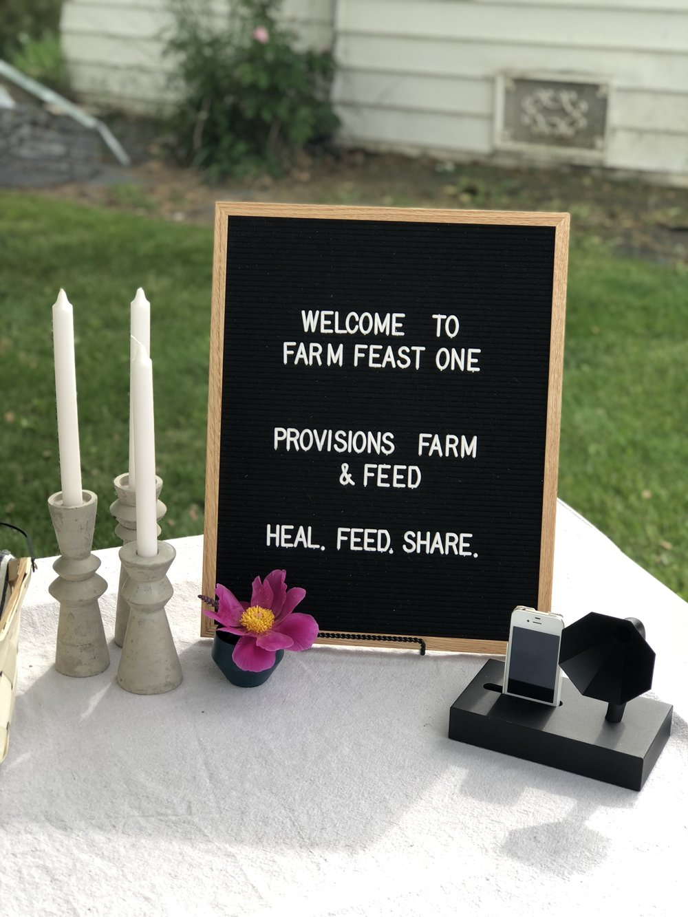 Welcome table styled by @themodernsweet