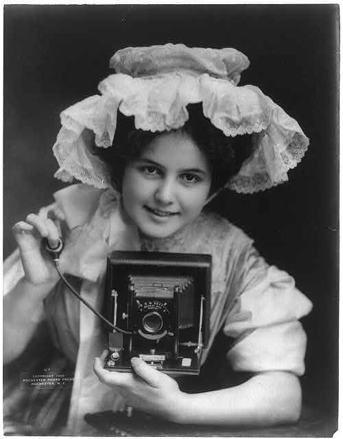 Camerawoman / Library of Congress