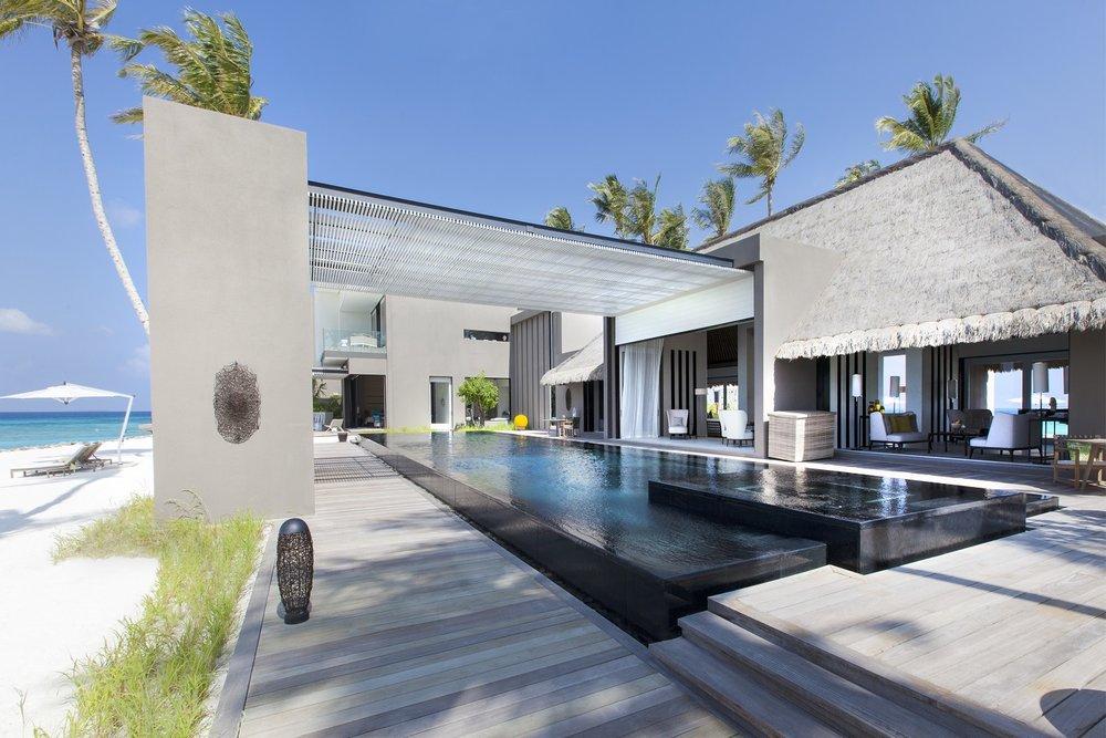 Cheval-Blanc-Randheli-Owners-Villa-2-3500x2333-2.jpg