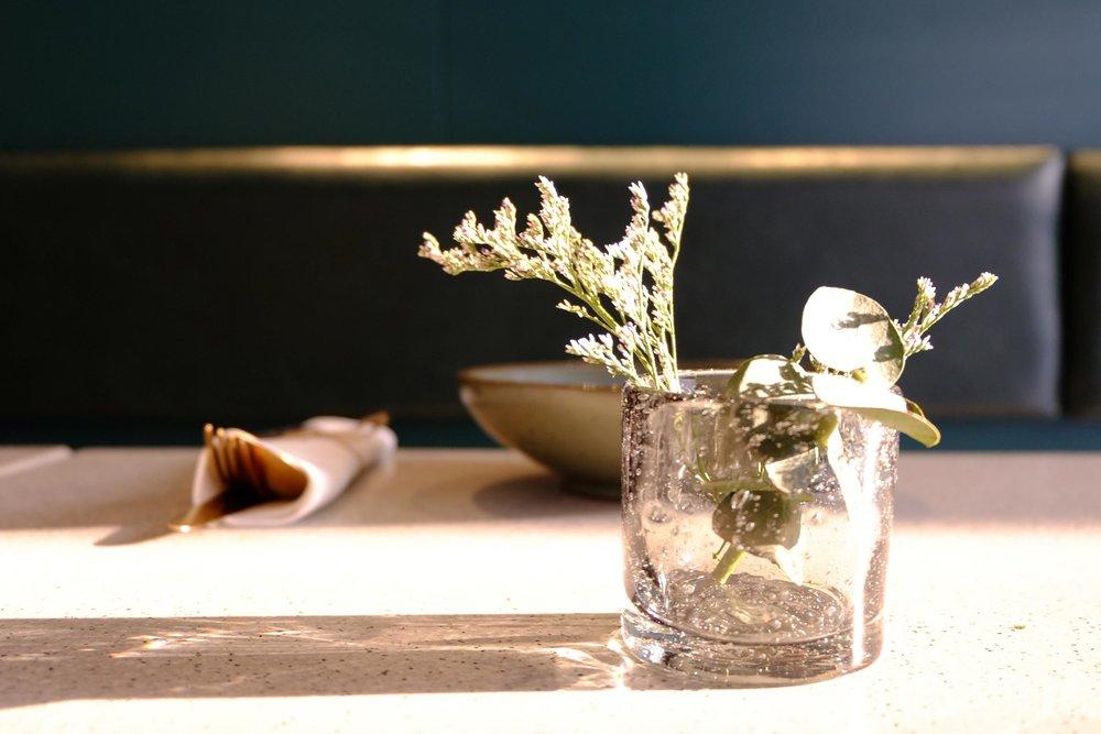 10-桌面摆设及餐具-Table-cutlery-and-accessories-1.jpg