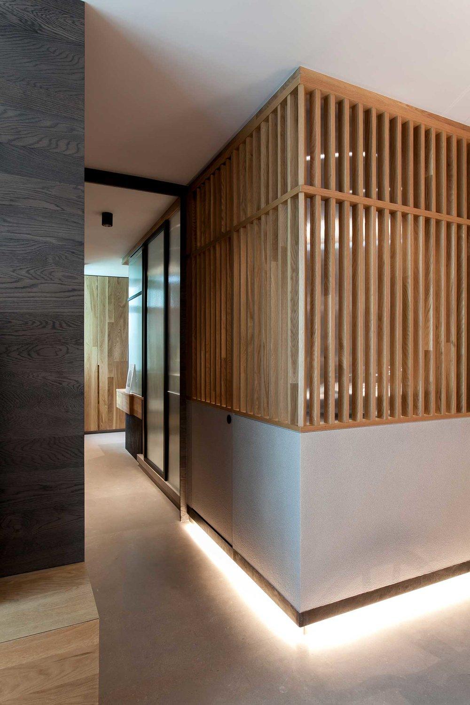 P-Corridor-Bathroom-Angle.jpg