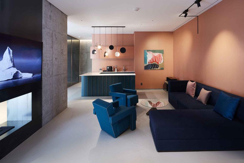 RYSE_EPSuite_Livingroom5.jpg