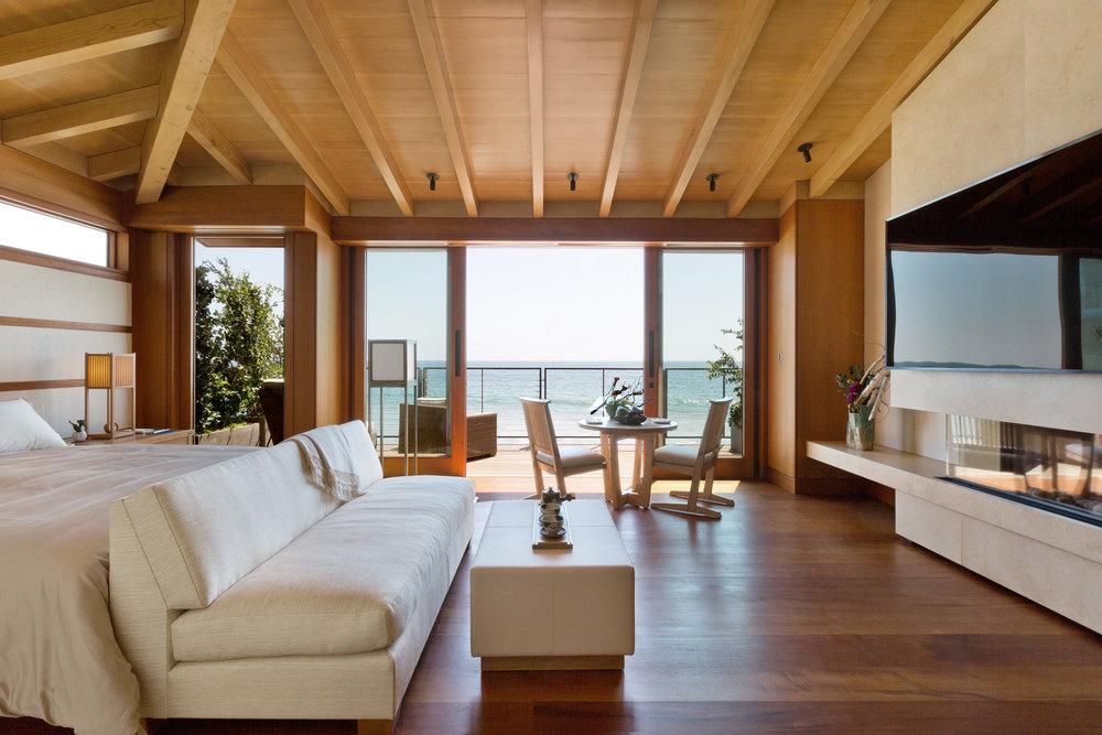 D+J_Ocean-View-Guestroom.jpg