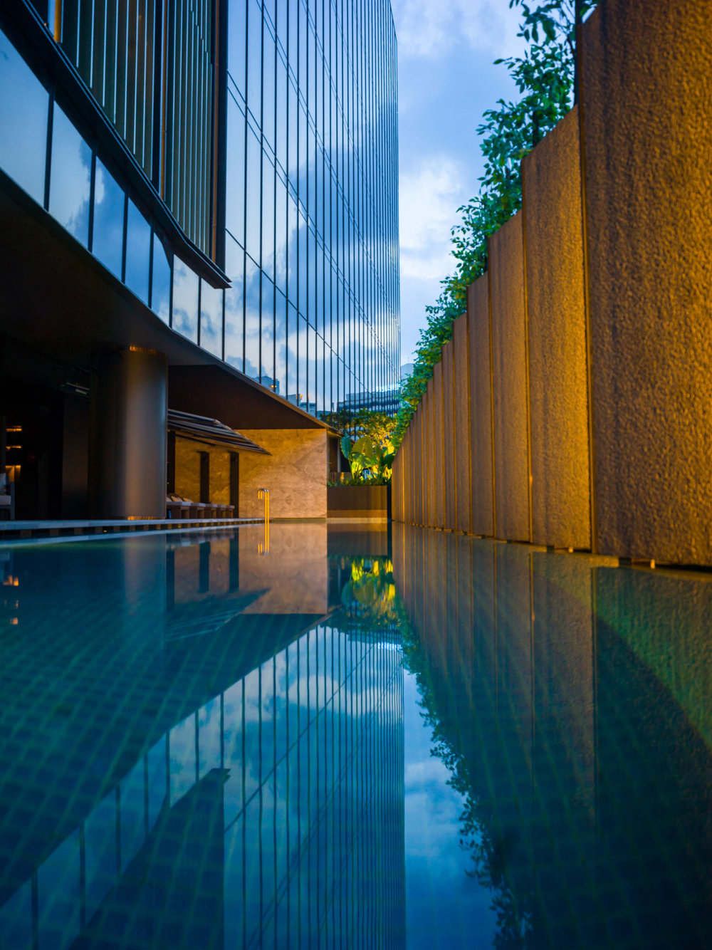 InterContinental-Singapore-Robertson-Quay_Pool.jpg