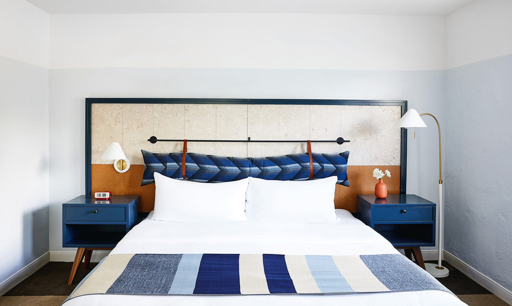 Calistoga-Motor-Lodge-and-Spa_Guestroom-02_Aubrie-Pick.jpg