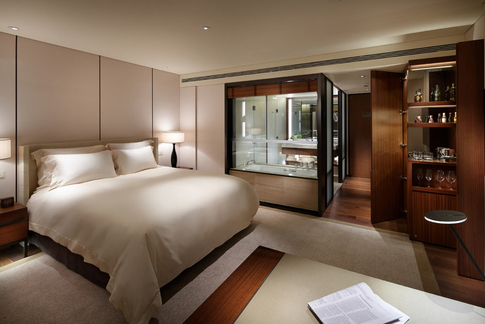 The-Shilla-Seoul_Deluxe-Room-2.jpg