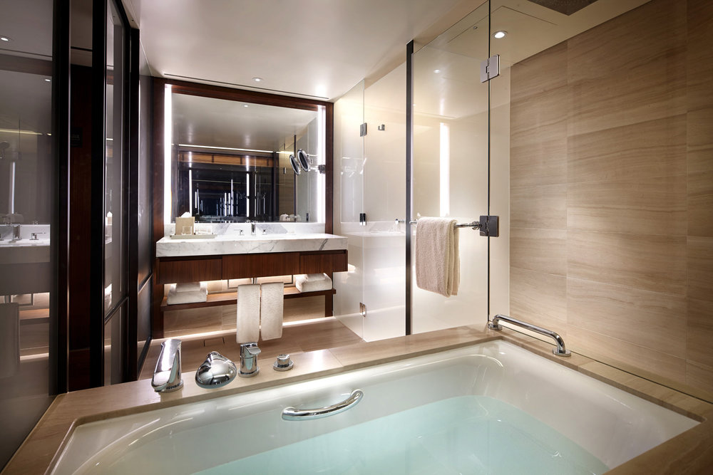The-Shilla-Seoul_Deluxe-Room-Bathroom.jpg